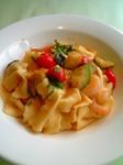 アルベロランチトマトとズッキーニと海老のパスタ